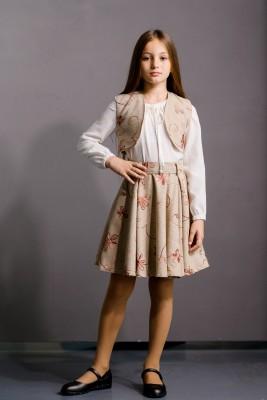 Комплект из юбки, блузки и жилетки