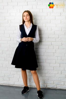 Комплект из трех предметов (юбка-колокольчик, темно-синяя  + белая рубашка, классика, длинный рукав + темно-синяя   жилетка)