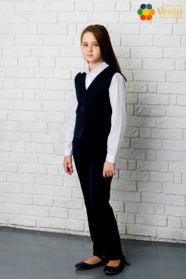 Комплект из трех частей (темно-синие брюки + классическая белая рубашка с длинным рукавом + темно-синий жилет)
