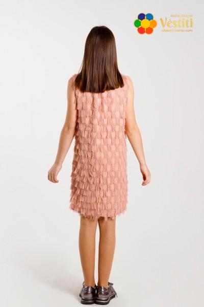 Пудровое платье с пайетками